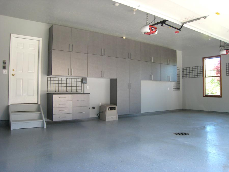 A garage interior designed by Ohio Garage Interiors